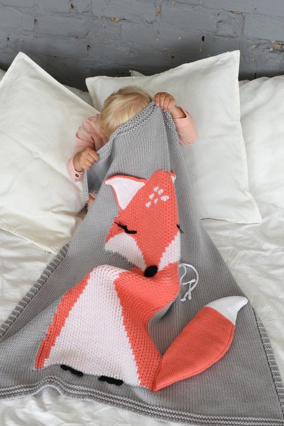 картинка Лисёнок серый APERO 60х120 см детский плед от магазина Одежда+